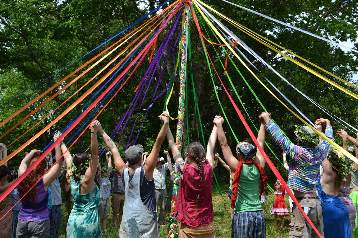 may pole with hands up2017