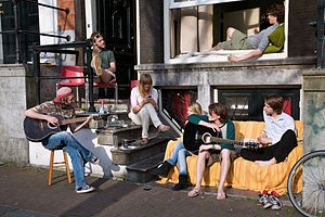 300px-Amsterdam_-_Young_musicians_-_1250 (1)